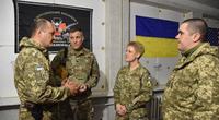 """""""Ukraine hay là chết"""" - dòng chữ trên áo của tùy viên quân sự Mỹ ở Donbass gây sốc"""