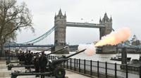 Video: Quân đội Anh bắn 41 phát đại bác tiễn đưa Hoàng thân Philip