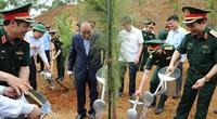 """Chủ tịch nước Nguyễn Xuân Phúc yêu cầu quân đội """"trồng cây nào tốt cây đó"""""""