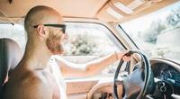 Những luật giao thông kỳ lạ nhất thế giới, có cả lệnh cấm lau ô tô bằng quần lót bẩn