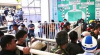 """""""Đau đầu"""" công tác bán vé trận HAGL – Hà Nội FC"""