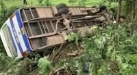 Một người chết, 31 người bị thương sau tai nạn kinh hoàng giữa xe khách và xe máy
