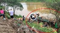Clip: Xe tải chở thực phẩm lật xuống sông Lô, tài xế thoát chết thần kỳ