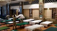 Số ca nhiễm tăng cao, Campuchia trưng dụng hội trường đám cưới cho bệnh nhân COVID-19