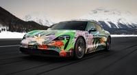 """Siêu xe nghệ thuật Porsche Taycan """"Nữ Hoàng Bóng Đêm"""" được bán giá bất ngờ"""