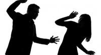 Công chức viên chức có thể bị đuổi việc nếu đánh vợ