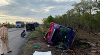 Đắk Lắk: Lật xe khách, hàng chục người bị thương