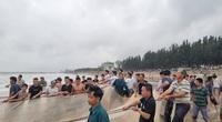 Thanh Hóa: Huy động hàng trăm người tìm kiếm 8 học sinh ra tắm biển, 4 học sinh đuối nước