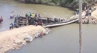 Đắk Lắk: Xe quá tải làm sập cầu độc đạo, nông dân yêu cầu làm lại để vận chuyển nông sản đang vào mùa