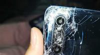 Điện thoại Xiaomi Mi 10 bị xe buýt cán nát và cái kết không tưởng
