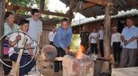 """Chủ tịch Hội Nông dân Việt Nam vượt núi vào thăm bản quanh năm """"đỏ lửa"""" ở Yên Bái"""