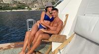 Bạn gái Ronaldo lại khoe vòng 1 căng tràn sức sống
