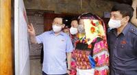 Ảnh: Chủ tịch Quốc hội Vương Đình Huệ kiểm tra công tác bầu cử tại Hà Giang