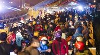 CSGT Hà Nội tích cực hỗ trợ người dân về quê