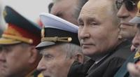 """Ông Putin có ý gì khi nói về """"những kẻ trừng phạt bất thành"""" trong diễn văn tại lễ diễu binh?"""