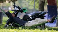 Hà Nội: Người dân mắc võng ngủ trong công viên ngày nắng nóng gần 40 độ C