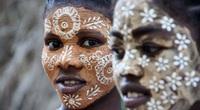 Độc đáo với văn hóa vẽ mặt của phụ nữ bộ tộc ở phía Tây và Nam Madagascar