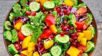 11 món salad đẹp rực rỡ, ngon miệng lại giữ da tôn dáng cho chị em