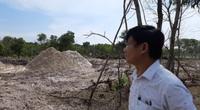 Vụ Công ty anh ruột Chủ tịch xã khai thác đất cát trái phép:  Hứa một đằng làm một nẻo