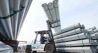 Xuất khẩu thép tăng vọt giữa lúc giá thép cao kỷ lục, nhà thầu có nguy cơ phá sản