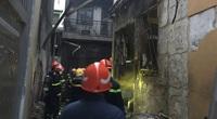 NÓNG: Cháy nhà ở TP.HCM, 8 người tử vong