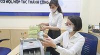 Tiền thu về tại ngân hàng ở Hà Nội phải qua khử khuẩn để phòng chống Covid-19