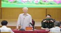 Tổng Bí thư Nguyễn Phú Trọng kể về tuổi thơ nghèo vượt khó đi học với cử tri