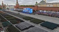 Màn duyệt binh rầm rộ, khoe vũ khí không thể hoành tránh hơn của Nga kỷ niệm Ngày Chiến thắng