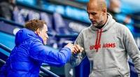 Man City lỡ cơ hội vô địch sớm, HLV Guardiola có trách Aguero?