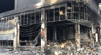 Ảnh-Clip: Hiện trường cháy phòng trà 6 người thương vong ở TP. Vinh