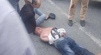 Clip: Tài xế dương tính ma tuý lái xe tông vào xe CSGT khi bị chặn kiểm tra trên đường