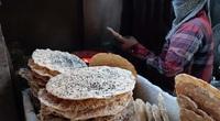 Món ẩm thực dân giã chỉ với 5.000 đồng đã hút hồn khách du lịch bởi hương vị làng quê