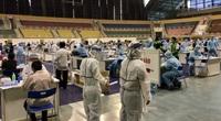 Cận ảnh hàng nghìn người đến điểm tiêm vaccine Covid-19 lớn nhất TP.HCM