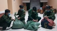 An Giang: Bắt giữ 20kg nghi cần sa khô đang vận chuyển từ biên giới vào Việt Nam
