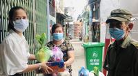 Báo Nông thôn Ngày nay/Dân Việt trao quà của bạn đọc đến người dân bị ảnh hưởng dịch Covid-19 ở TP.HCM