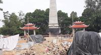 """Thái Nguyên: Thi công cải tạo nghĩa trang liệt sỹ, nhà thầu dùng máy xúc """"san phẳng"""" các ngôi mộ"""