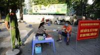 Ảnh: Xử phạt 103 trường hợp ra ngoài không có lý do tại một phường ở Hà Nội