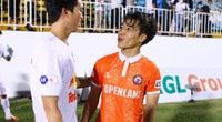 Tân binh của ĐT Việt Nam từng được khuyên bỏ bóng đá vì... học giỏi