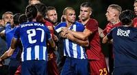 """Bỏ lại tin đồn sang V.League, """"đồ tể"""" Pepe... """"đấu võ"""" trên sân"""