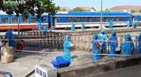 Video: Xúc động giây phút gần 400 người dân Quảng Trị trở về quê hương từ tâm dịch
