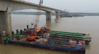 Video: Bên trong đại dự án xây cầu vượt sông Hồng trị giá hơn 2.500 tỷ