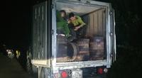 Hà Giang: Phát hiện xe ô tô chở 278 khúc gỗ nghiến dạng thớt