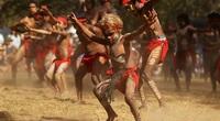 Thổ dân Martu độc đáo với nghệ thuật kể ước mơ và lối sống sẻ chia hào phóng