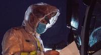 Hình ảnh lực lượng CSGT thức trắng đêm, dầm mưa làm nhiệm vụ để ngăn chặn dịch Covid-19 từ xa