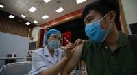 """Bộ Y tế chấn chỉnh hiện tượng người tiêm vắc xin Covid-19 """"bồi dưỡng"""" cho cơ sở tiêm"""
