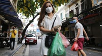 """Hà Nội: Xem người dân phố cổ đi """"chợ nhà giàu"""" trong ngày giãn cách xã hội"""
