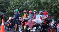 Nối lại hoạt động trung chuyển hầm Hải Vân, hỗ trợ dòng người chạy xe máy về quê