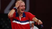 Hạ bệ Trung Quốc, đoạt HCV Olympic 2020, tay vợt Đan Mạch khóc nức nở