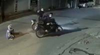 Chị lao công bị cướp trong đêm ở Hà Nội được tặng 2 xe máy mới