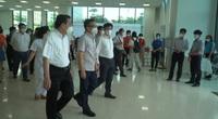 Phó Thủ tướng Vũ Đức Đam thị sát điểm tiêm chủng lưu động ở Hà Nội